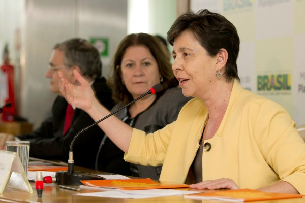 Foto da ministra Tereza Campello durante apresenta��o do relat�rio Indicadores de Desenvolvimento Brasileiro (foto de Ana Nascimento/MDS)