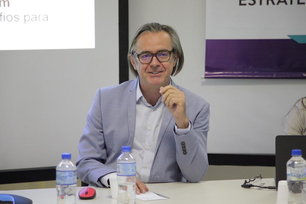Dr. Luciano Machado de Souza