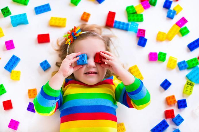 DIREITOS - Brincar é fundamental para o desenvolvimento integral da criança