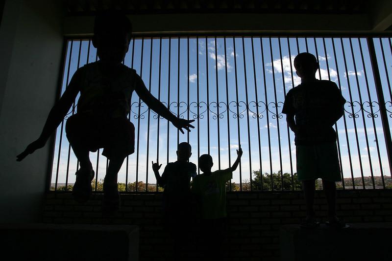 COVID-19 - Varas de Infância e Juventude devem reavaliar acolhimento em abril