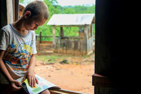 UNICEF alerta: garantir acesso livre à internet para famílias e crianças vulneráveis é essencial na resposta à Covid-19