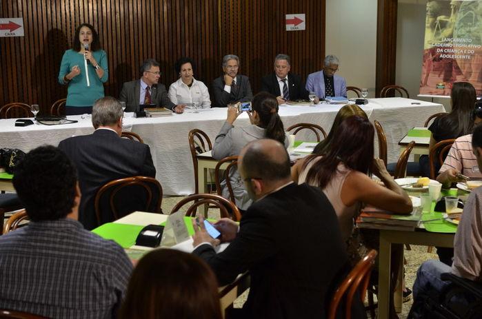 PUBLICAÇÃO - Caderno Legislativo da Criança e do Adolescente é instrumento na defesa de direitos ameaçados
