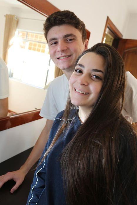 Os irmãos Maria Eduarda e Angelo Bertolli puderam realizar cirurgia de correção da orelha graças ao Projeto Orelinha