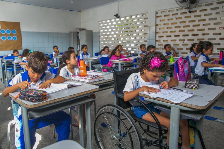 EDUCAÇÃO - Unicef faz alerta sobre os estudantes brasileiros