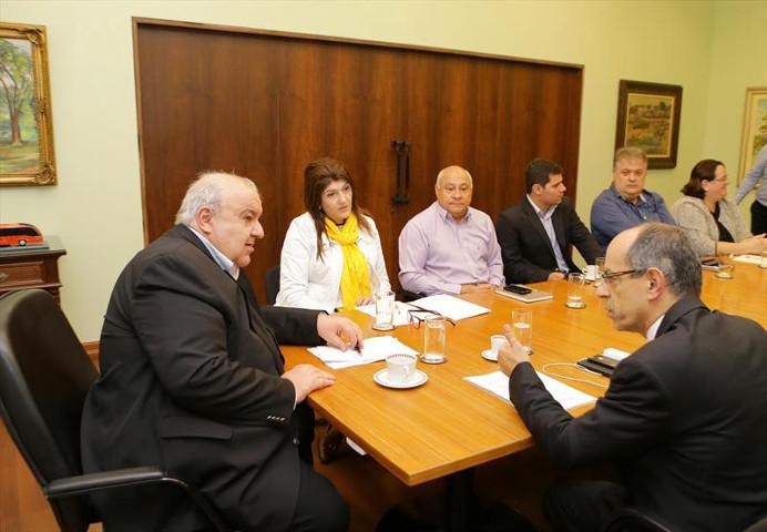 CURITIBA - Secretaria Municipal da Saúde faz alerta sobre jogo Baleia Azul